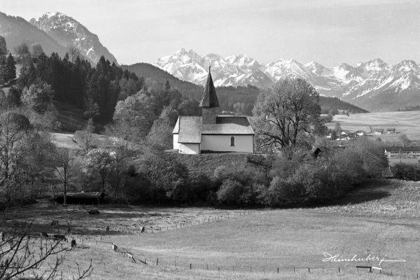 Berghofer Kapelle im Frühling