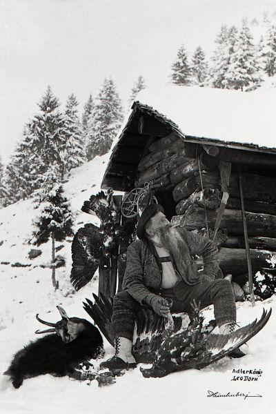 Adlerkönig Leo Dorn - Portrait im Winter