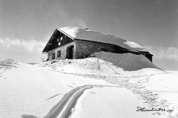 Skispur zur Fiderepasshütte