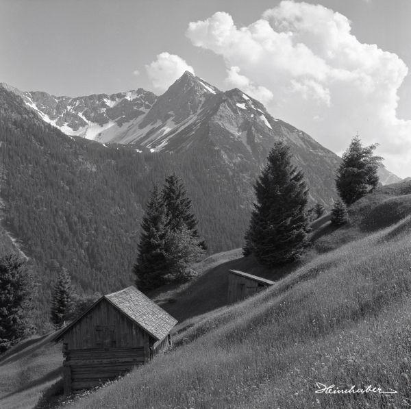 Rotspitze mit Hornwiesen und Stadel