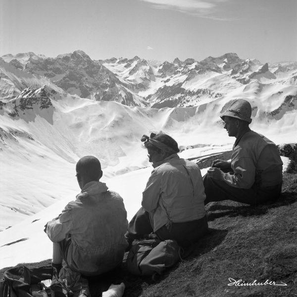 Drei Freunde am Berg