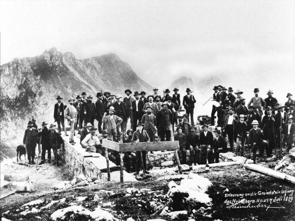 Grundsteinlegung am Nebelhorn