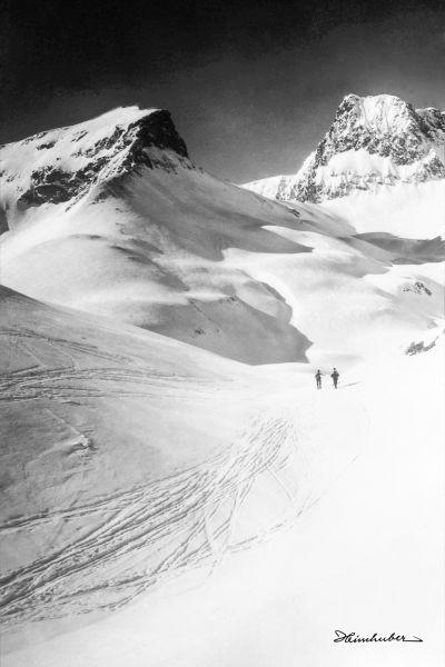 Zürser See mit Skitourengeher