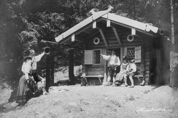 Waldhütte der Gebirgstrachten Hindelang