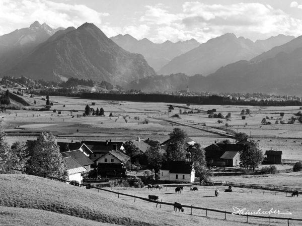 Rubi mit Oberstdorf im Hintergrund